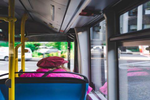 bus-bus-stop-city-2377915 (1)
