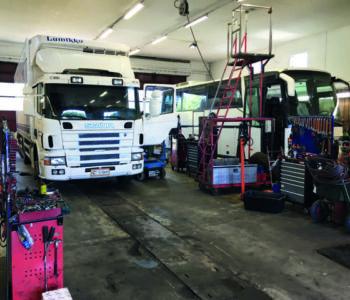 Scania-ja-linjuri-mahtuu-hyvin-vierekkäin_press-e1585653718415